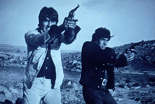 http://www.guyanaundersiege.com/Cultural/Images/sholay.jpg